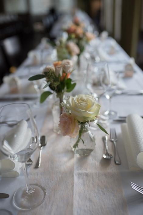 Hochzeit Vintage Look Apricot im Restaurant Strohbecks Voggenhof